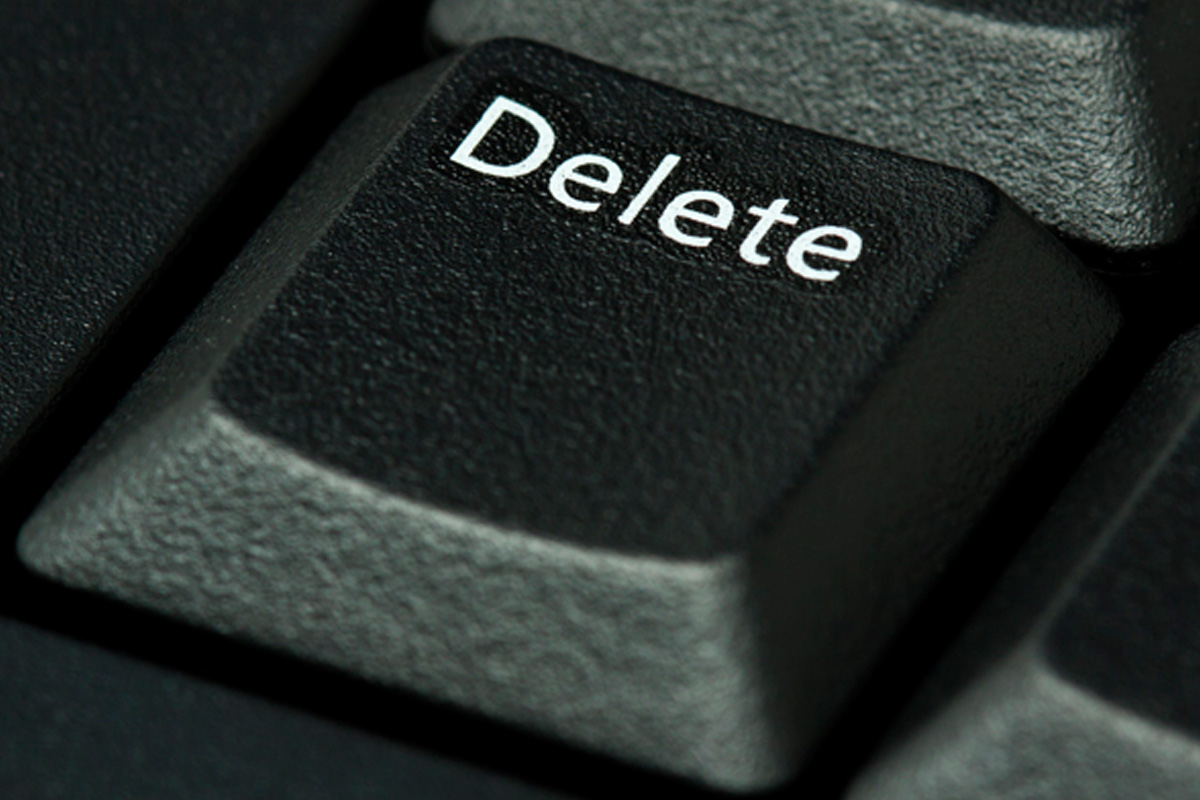 SOCIAL MEDIA NEWS: LA Times Reports New Law That Requires Social Media Sites Give Minors A DELETE Option!